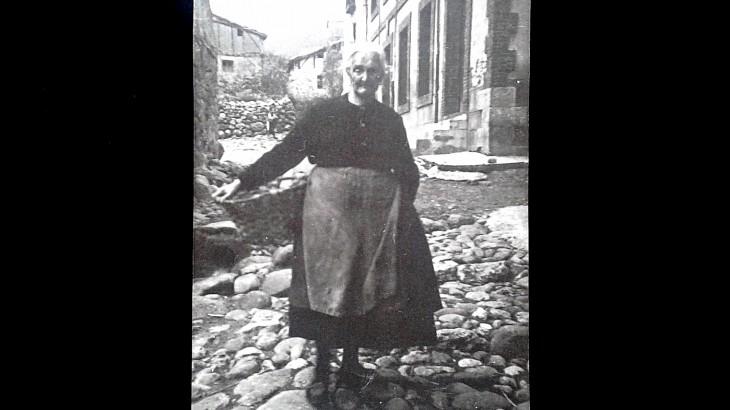 abuela-an-bar